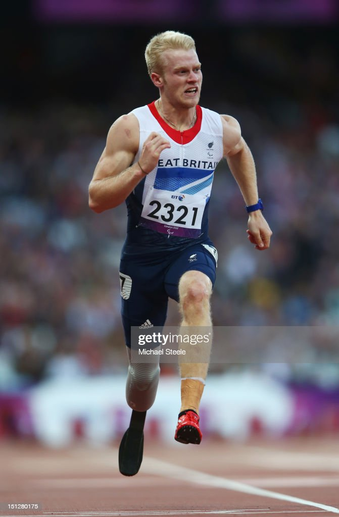 <a gi-track='captionPersonalityLinkClicked' href=/galleries/search?phrase=Jonnie+Peacock&family=editorial&specificpeople=7441025 ng-click='$event.stopPropagation()'>Jonnie Peacock</a> of Great Britain competes in the Men's 100m T44 heats on day 7 of the London 2012 Paralympic Games at Olympic Stadium on September 5, 2012 in London, England.