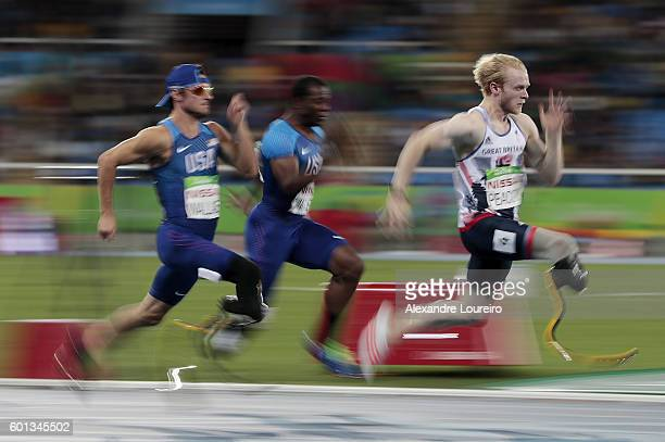 Jonnie Peacock of Great Britain leads the Men's 100m T44 Final on day 2 of the Rio 2016 Paralympic Games at the Olympic Stadium on September 9 2016...