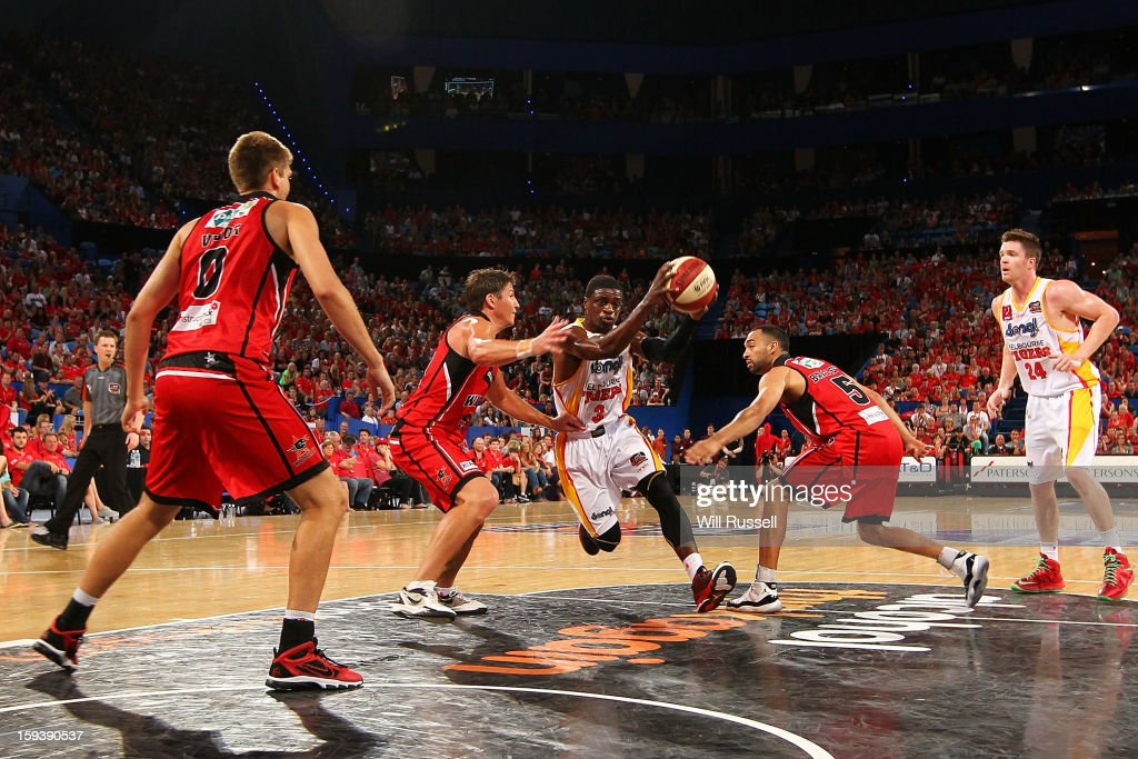 Jonny Flynn of the Tigers looks to shoot during the round 14 NBL match between the Perth Wildcats and the Melbourne Tigers at Perth Arena on January 13, 2013 in Perth, Australia.
