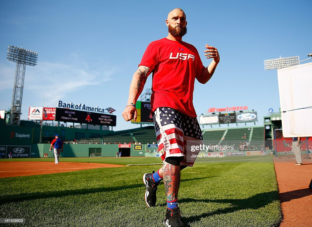 <a gi-track='captionPersonalityLinkClicked' href=/galleries/search?phrase=Jonny+Gomes&family=editorial&specificpeople=568435 ng-click='$event.stopPropagation()'>Jonny Gomes</a> #5 of the Boston Red Sox wears a 'USA' shirt and American Flag shorts during batting practice prior to the interleague game against the Chicago Cubs at Fenway Park on June 30, 2014 in Boston, Massachusetts.