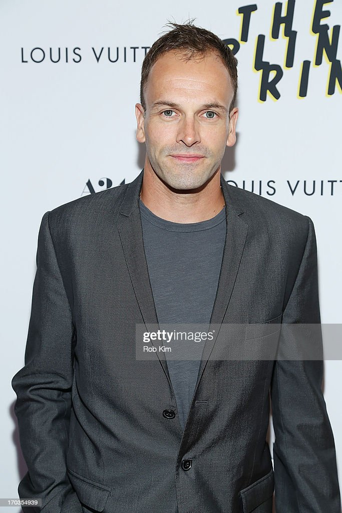 <a gi-track='captionPersonalityLinkClicked' href=/galleries/search?phrase=Jonny+Lee+Miller&family=editorial&specificpeople=633082 ng-click='$event.stopPropagation()'>Jonny Lee Miller</a> attends the New York screening of A24Õs THE BLING RING presented by Louis Vuitton and Vanity Fair at Paris Theatre on June 11, 2013 in New York City.