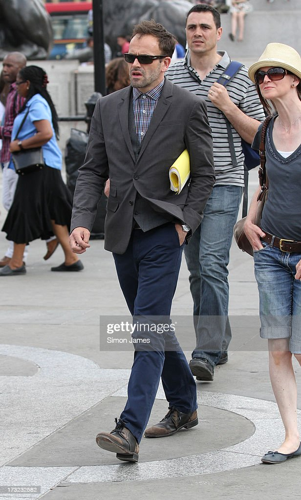 <a gi-track='captionPersonalityLinkClicked' href=/galleries/search?phrase=Jonny+Lee+Miller&family=editorial&specificpeople=633082 ng-click='$event.stopPropagation()'>Jonny Lee Miller</a> sighting on set filming Elementary on July 10, 2013 in London, England.