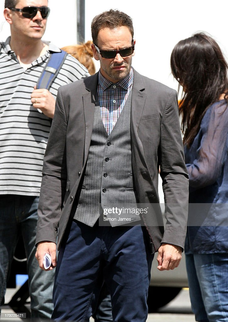 <a gi-track='captionPersonalityLinkClicked' href=/galleries/search?phrase=Jonny+Lee+Miller&family=editorial&specificpeople=633082 ng-click='$event.stopPropagation()'>Jonny Lee Miller</a> sighting on set of Elementary on July 10, 2013 in London, England.