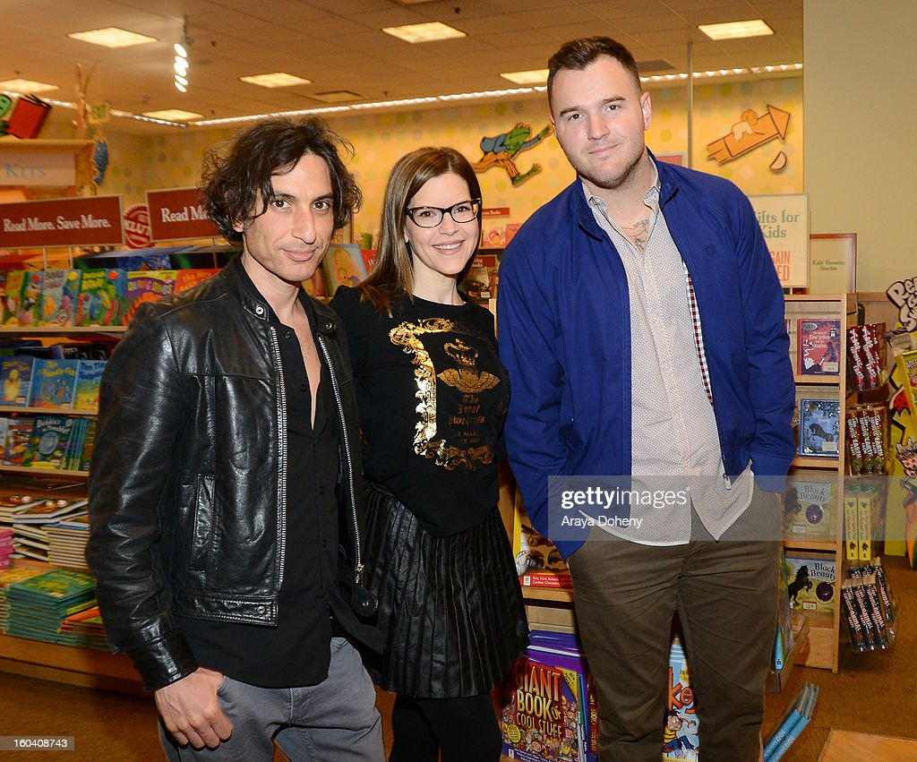 Jonny Polonsky, Lisa Loeb and Chad Gilbert perform songs and Lisa Loeb signs her new CD 'No Fairy Tale' at Barnes & Noble bookstore at The Grove on January 30, 2013 in Los Angeles, California.