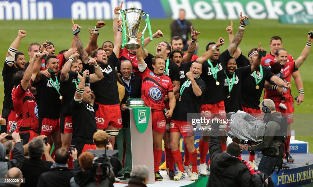 Jonny Wilkinson of Toulon and his team-mates celebrate with the trophy at the end of the Heineken Cup final match between Clermont Auvergne and RC Toulon at the Aviva Stadium on May 18, 2013 in Dublin, Ireland.
