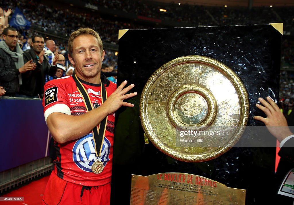 Jonny Wilkinson of Toulon celebrates with the trophy after winning the Top 14 Final between Toulon and Castres Olympique at Stade de France on May 31, 2014 in Paris, France.
