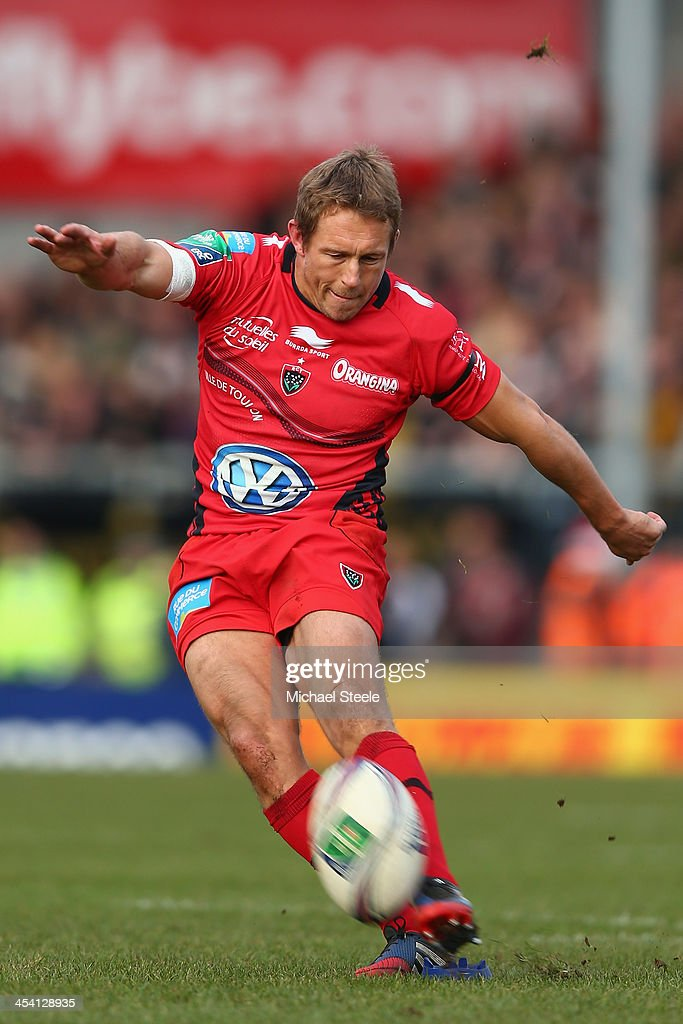 <a gi-track='captionPersonalityLinkClicked' href=/galleries/search?phrase=Jonny+Wilkinson&family=editorial&specificpeople=159417 ng-click='$event.stopPropagation()'>Jonny Wilkinson</a> of Toulon in action during the Heineken Cup Pool Two match between Exeter Chiefs and Toulon at Sandy Park on December 7, 2013 in Exeter, England.