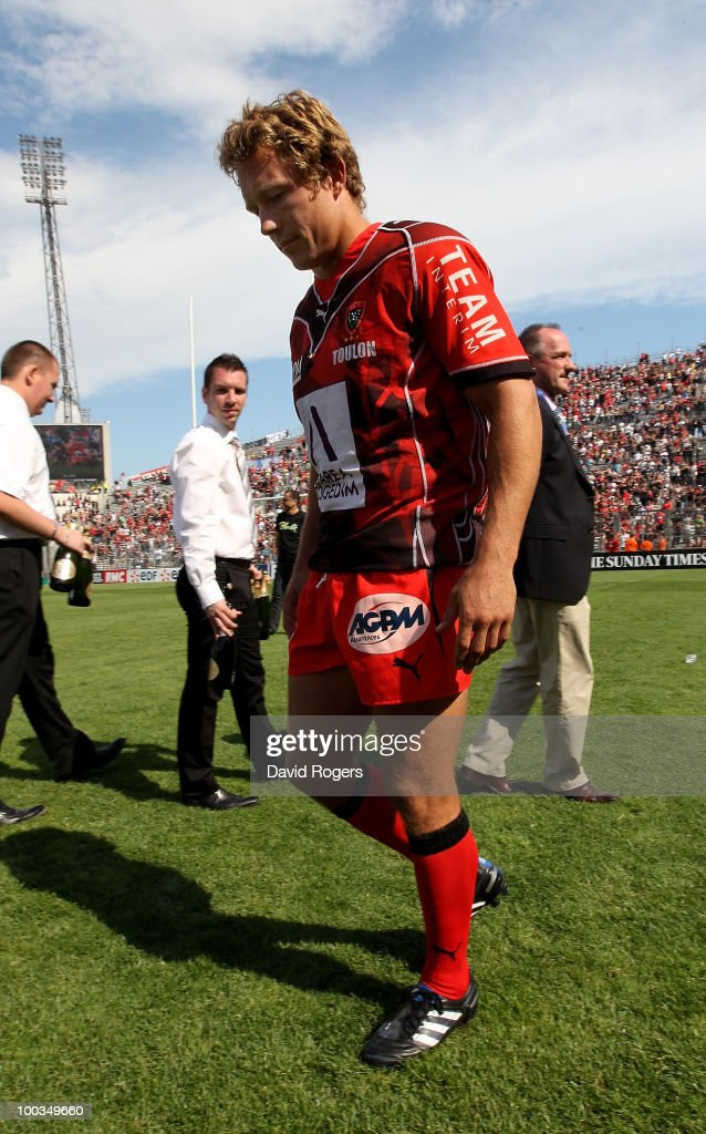 Jonny Wilkinson of Toulon walks off the field at the end of the match after his team are defeated in the Amlin Challenge Cup Final between Toulon and Cardiff Blues at Stade Velodrome on May 23, 2010 in Marseille, France.