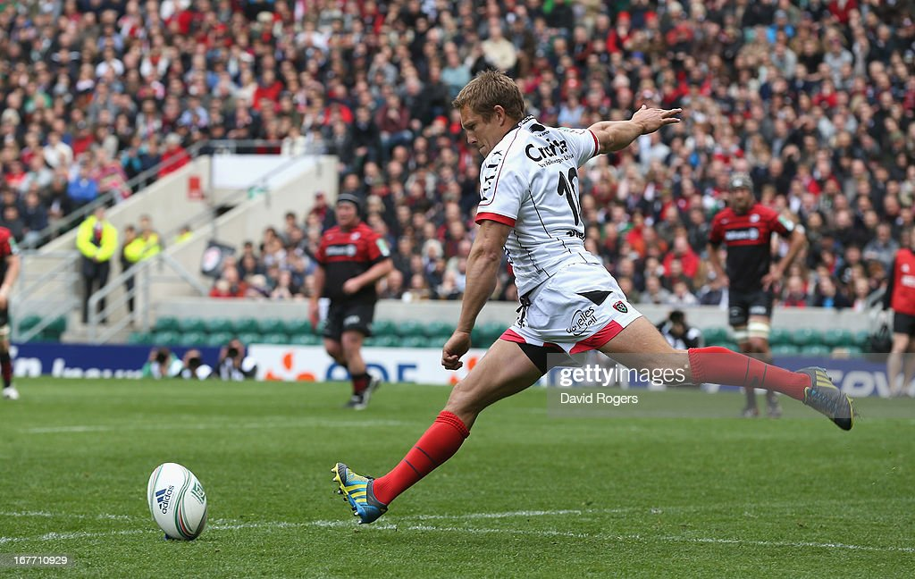 <a gi-track='captionPersonalityLinkClicked' href=/galleries/search?phrase=Jonny+Wilkinson&family=editorial&specificpeople=159417 ng-click='$event.stopPropagation()'>Jonny Wilkinson</a>, the Toulon standoff kicks a penalty during the Heineken Cup semi final match between Saracens and Toulon at Twickenham Stadium on April 28, 2013 in London, United Kingdom.