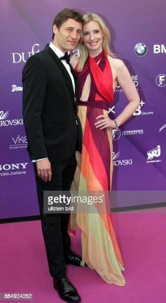 Joop Jette Designerin D mit Ehemann Christian Elsen anlaesslich Verleihung der Duftstars in Berlin