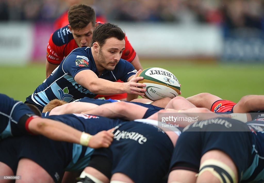 Jordan Burns of Bedford Bluesin action during the Greene King IPA Championship Play Off Semi Final first leg match between Bedford Blues and Bristol Rugby at Goldington Road on May 1, 2016 in Bedford, England. (Photo by Tom Dulat/Getty Images).