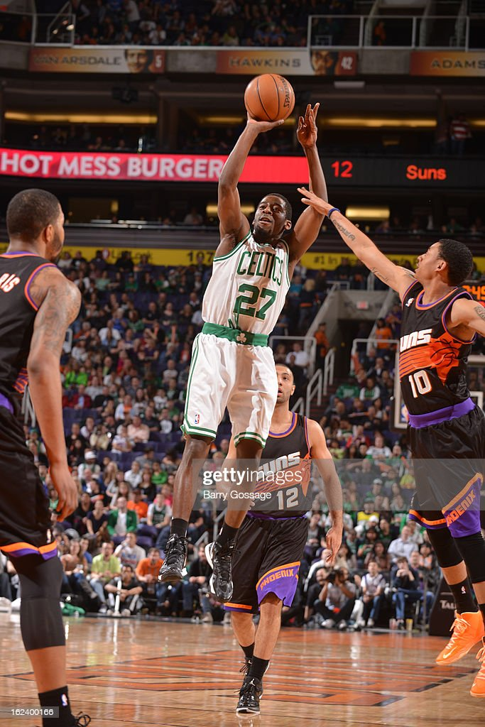 <a gi-track='captionPersonalityLinkClicked' href=/galleries/search?phrase=Jordan+Crawford&family=editorial&specificpeople=4779380 ng-click='$event.stopPropagation()'>Jordan Crawford</a> #27 of the Boston Celtics shoots against <a gi-track='captionPersonalityLinkClicked' href=/galleries/search?phrase=Diante+Garrett&family=editorial&specificpeople=4846709 ng-click='$event.stopPropagation()'>Diante Garrett</a> #10 of the Phoenix Suns on February 22, 2013 at U.S. Airways Center in Phoenix, Arizona.