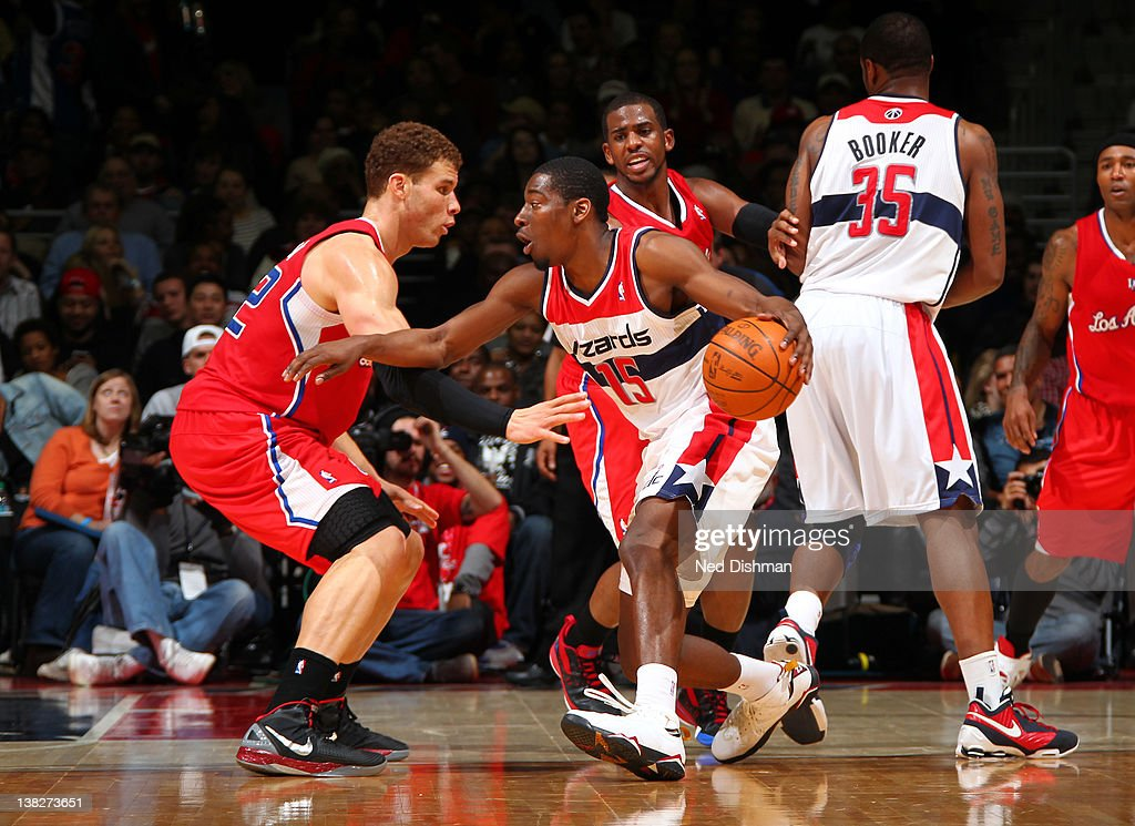 <a gi-track='captionPersonalityLinkClicked' href=/galleries/search?phrase=Jordan+Crawford&family=editorial&specificpeople=4779380 ng-click='$event.stopPropagation()'>Jordan Crawford</a> #15 of the Washington Wizards drives against <a gi-track='captionPersonalityLinkClicked' href=/galleries/search?phrase=Blake+Griffin+-+Basketball+Player&family=editorial&specificpeople=4216010 ng-click='$event.stopPropagation()'>Blake Griffin</a> #32 of the Los Angeles Clippers during the game at the Verizon Center on February 4, 2012 in Washington, DC.