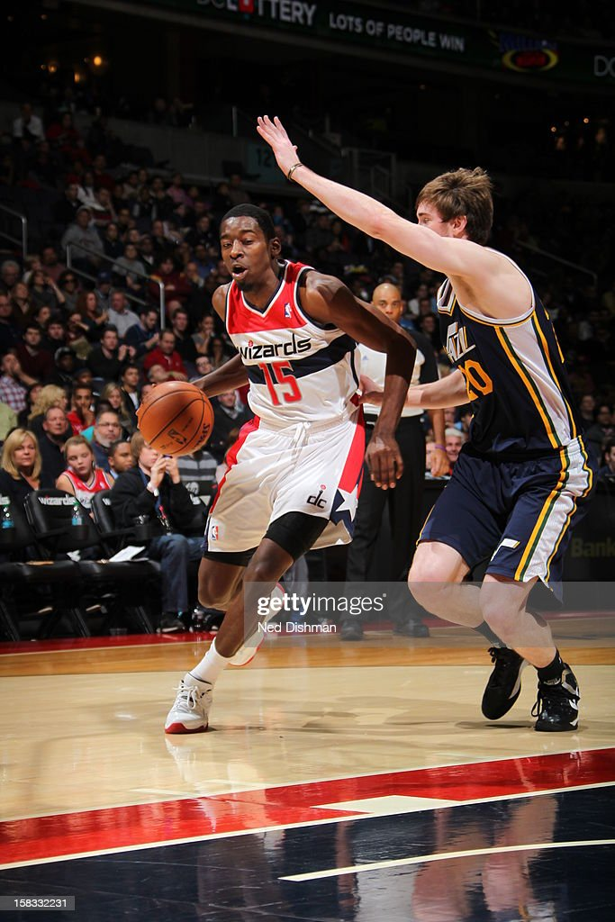 <a gi-track='captionPersonalityLinkClicked' href=/galleries/search?phrase=Jordan+Crawford&family=editorial&specificpeople=4779380 ng-click='$event.stopPropagation()'>Jordan Crawford</a> #15 of the Washington Wizards drives to the basket against <a gi-track='captionPersonalityLinkClicked' href=/galleries/search?phrase=Gordon+Hayward&family=editorial&specificpeople=5767271 ng-click='$event.stopPropagation()'>Gordon Hayward</a> #20 of the Utah Jazz at the Verizon Center on November 17, 2012 in Washington, DC.