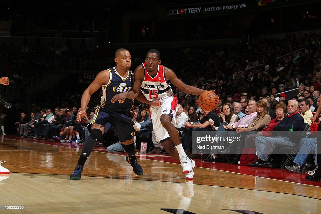 <a gi-track='captionPersonalityLinkClicked' href=/galleries/search?phrase=Jordan+Crawford&family=editorial&specificpeople=4779380 ng-click='$event.stopPropagation()'>Jordan Crawford</a> #15 of the Washington Wizards drives to the basket while guarded by <a gi-track='captionPersonalityLinkClicked' href=/galleries/search?phrase=Randy+Foye&family=editorial&specificpeople=240185 ng-click='$event.stopPropagation()'>Randy Foye</a> #8 of the Utah Jazz at the Verizon Center on November 17, 2012 in Washington, DC.