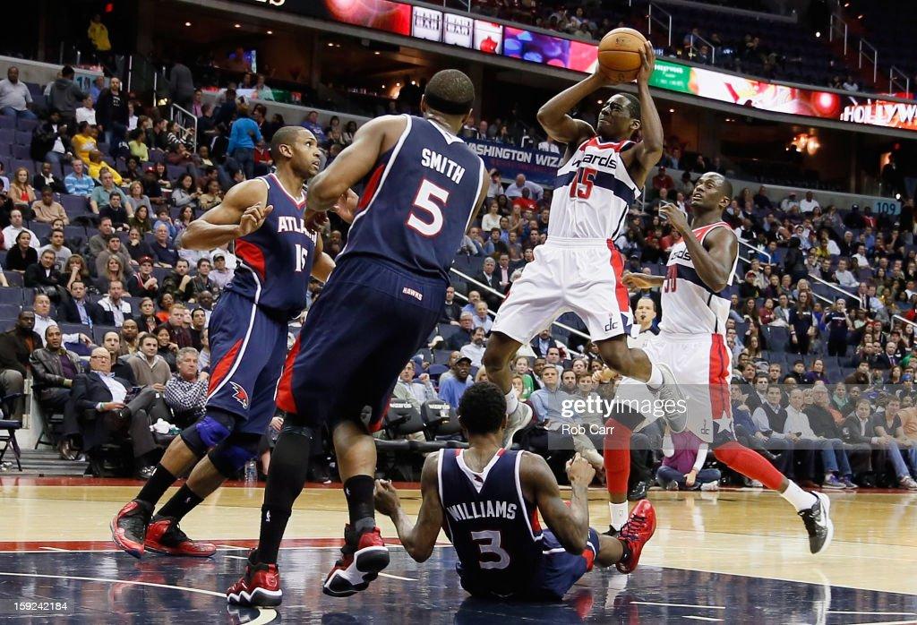 Jordan Crawford #15 of the Washington Wizards puts up a shot against the Atlanta Hawks at Verizon Center on December 18, 2012 in Washington, DC.