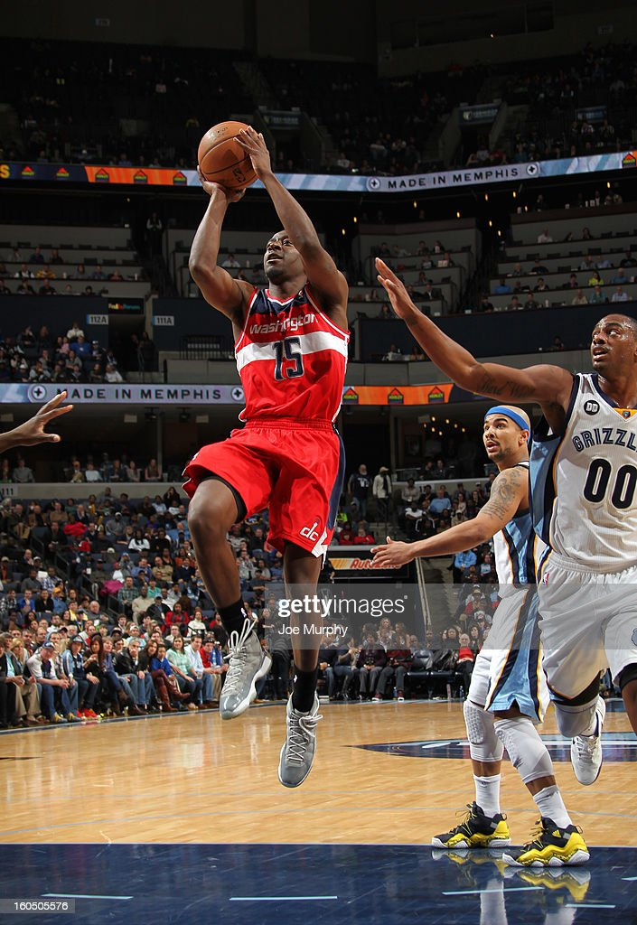 Jordan Crawford #15 of the Washington Wizards shoots against the Memphis Grizzlies on February 1, 2013 at FedExForum in Memphis, Tennessee.