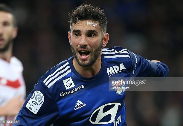 Jordan Ferri of Lyon in action during the French Ligue 1 match between Lille OSC and Olympique Lyonnais at Stade PierreMauroy on November 18 2016 in...