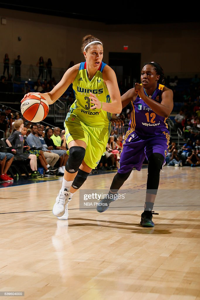 Jordan Hooper #35 of the Dallas Wings drives to the basket against <a gi-track='captionPersonalityLinkClicked' href=/galleries/search?phrase=Chelsea+Gray&family=editorial&specificpeople=7420247 ng-click='$event.stopPropagation()'>Chelsea Gray</a> #12 of the Los Angeles Sparks on June 11, 2016 at College Park Center in Arlington, Texas.