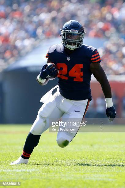 Jordan Howard of the Chicago Bears carries the football in the first quarter against the Pittsburgh Steelers at Soldier Field on September 24 2017 in...