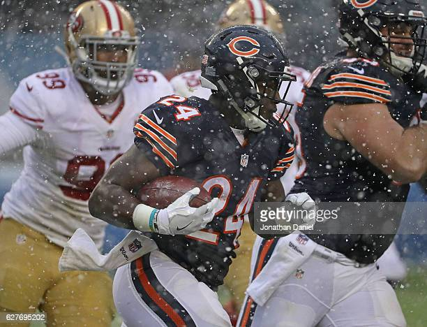 Jordan Howard of the Chicago Bears runs against the San Francisco 49ers at Soldier Field on December 4 2016 in Chicago Illinois