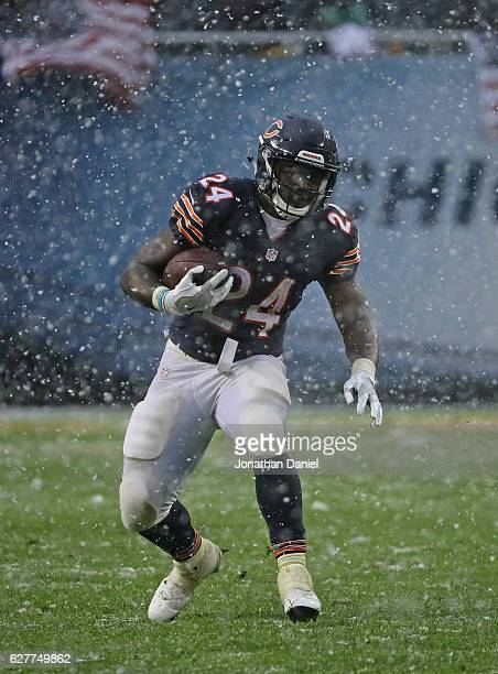Jordan Howard of the Chicago Bears runs against the San Francisco 49ers at Soldier Field on December 4 2016 in Chicago Illinois The Bears defeated...