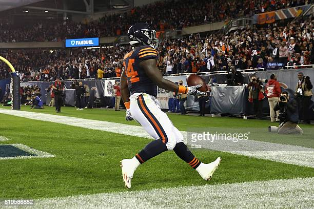 Jordan Howard of the Chicago Bears rushes for a touchdown during the second quarter against the Minnesota Vikings at Soldier Field on October 31 2016...