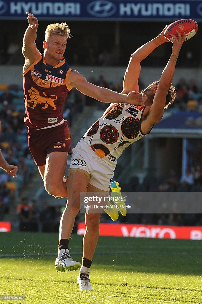 <a gi-track='captionPersonalityLinkClicked' href=/galleries/search?phrase=Jordan+Lewis&family=editorial&specificpeople=236095 ng-click='$event.stopPropagation()'>Jordan Lewis</a> of the Hawks marks during the round 10 AFL match between the Brisbane Lions and the Hawthorn Hawks at The Gabba on May 28, 2016 in Brisbane, Australia.