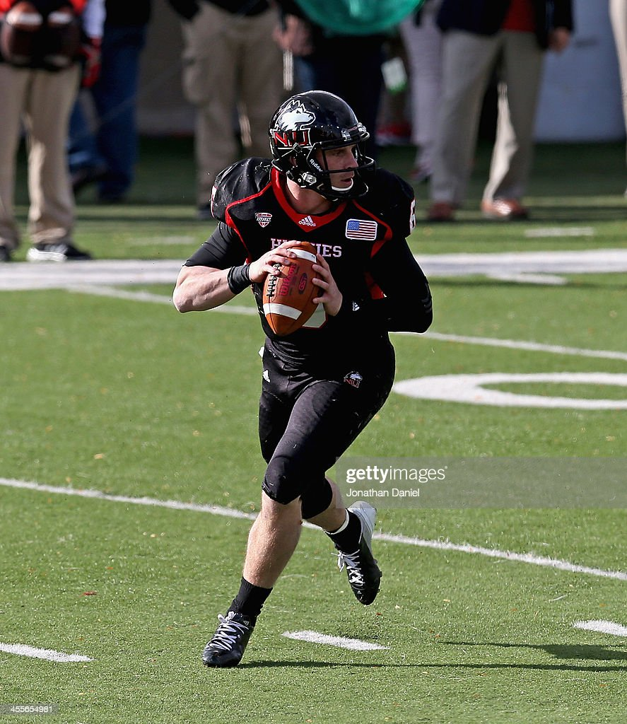 <a gi-track='captionPersonalityLinkClicked' href=/galleries/search?phrase=Jordan+Lynch&family=editorial&specificpeople=7377245 ng-click='$event.stopPropagation()'>Jordan Lynch</a> #6 of the Northern Illinois Huskies looks for a receiver against the Eastern Michigan Eagles at Brigham Field on October 26, 2013 in DeKalb, Illinois.