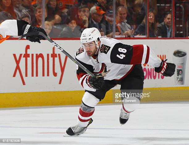 Jordan Martinook of the Arizona Coyotes skates against the Philadelphia Flyers at the Wells Fargo Center on October 27 2016 in Philadelphia...