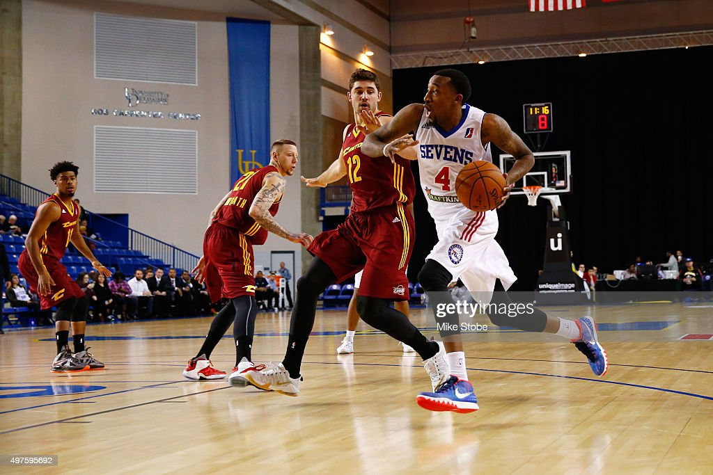 Jordan McRae of the Delaware 87ers handles the ball during the game against the Canton Charge on November 17 2015 at the Bob Carpenter Center in...