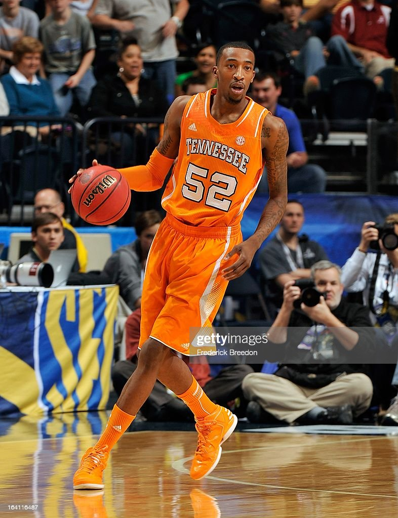 Jordan McRae #52 of the University of Tennessee Volunteers plays against the Alabama Crimson Tide during the Quarterfinals of the SEC Tournament at the Bridgestone Arena on March 15, 2013 in Nashville, Tennessee.