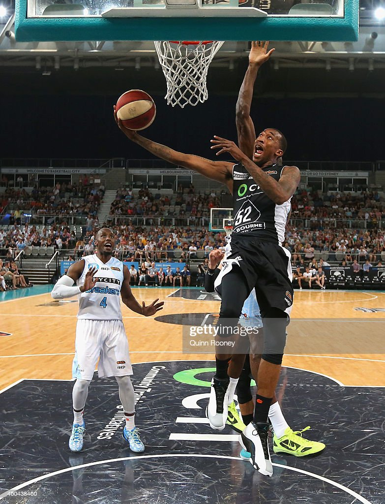 Jordan McRae of United shoots during the round 10 NBL match between Melbourne United and the New Zealand Breakers at Hisense Arena on December 14...