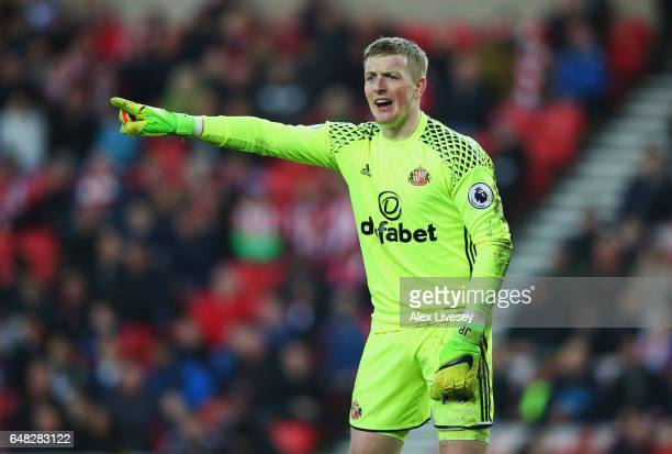 Jordan Pickford of Sunderland gives his team mates instructions during the Premier League match between Sunderland and Manchester City at Stadium of...