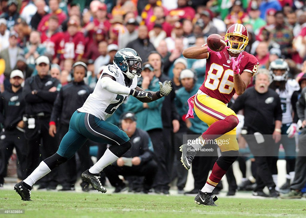 Jordan Reed #86 catches a pass in front of Malcolm Jenkins #27 of the Philadelphia Eagles at FedExField on October 4, 2015 in Landover, Maryland.