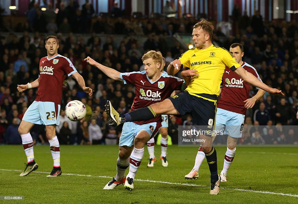 Jordan Rhodes of Middlesbrough scores the opening goal during the Sky Bet Championship match between Burnley and Middlesbrough at Turf Moor on April...