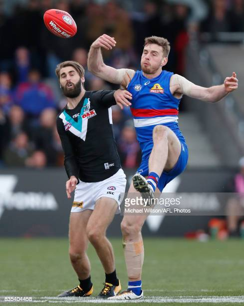 Jordan Roughead of the Bulldogs and Justin Westhoff of the Power compete for the ball during the 2017 AFL round 22 match between the Western Bulldogs...