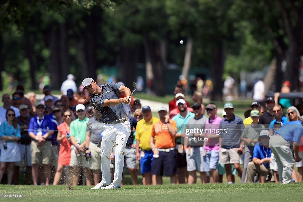 Jordan Spieth hits a shot on the ninth hole during the Third Round of the DEAN DELUCA Invitational at Colonial Country Club on May 28 2016 in Fort...