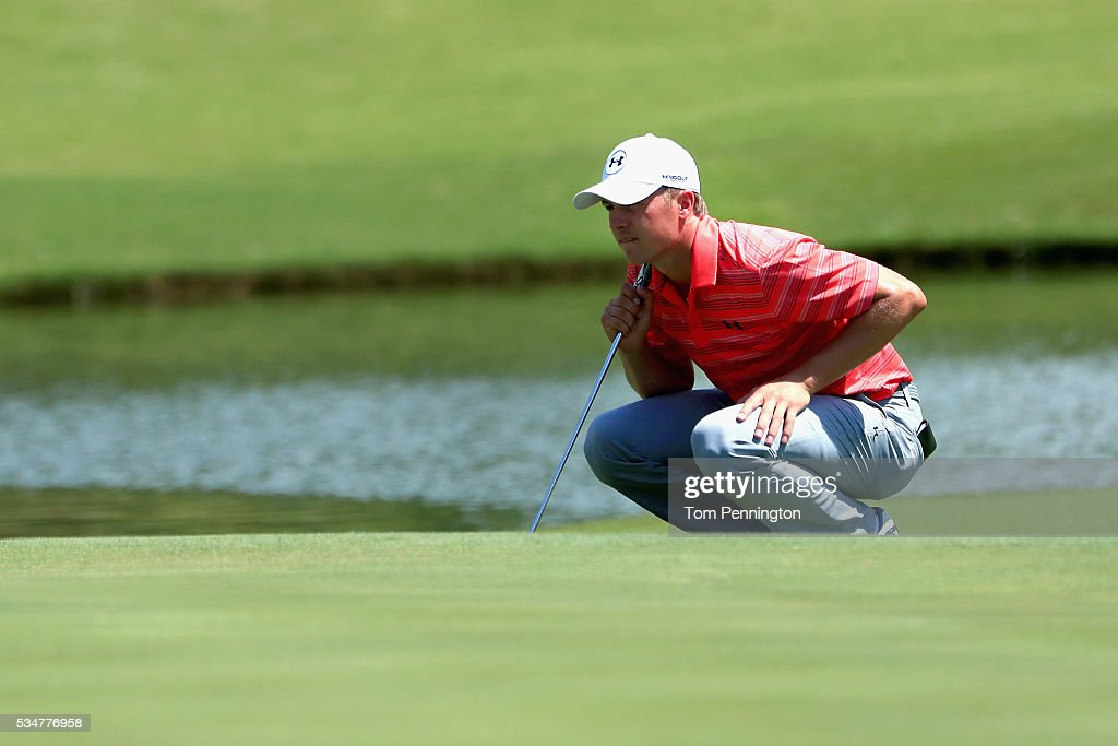 <a gi-track='captionPersonalityLinkClicked' href=/galleries/search?phrase=Jordan+Spieth&family=editorial&specificpeople=5440480 ng-click='$event.stopPropagation()'>Jordan Spieth</a> lines up a putt on the 16th green during the Second Round of the DEAN & DELUCA Invitational at Colonial Country Club on May 27, 2016 in Fort Worth, Texas.