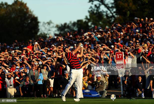 Jordan Spieth of the United States hits off the 17th tee during afternoon fourball matches of the 2016 Ryder Cup at Hazeltine National Golf Club on...