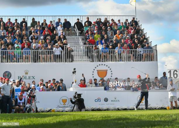 Jordan Spieth of the United States Team hits a tee shot on the 16th hole during the afternoon fourball matches at the Presidents Cup at Liberty...