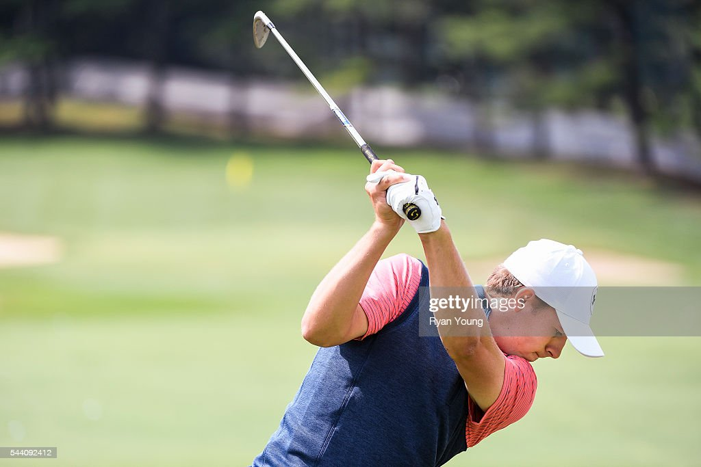 <a gi-track='captionPersonalityLinkClicked' href=/galleries/search?phrase=Jordan+Spieth&family=editorial&specificpeople=5440480 ng-click='$event.stopPropagation()'>Jordan Spieth</a> warms up on the driving range during the second round of the World Golf Championships-Bridgestone Invitational at Firestone Country Club on July 1, 2016 in Akron, Ohio.