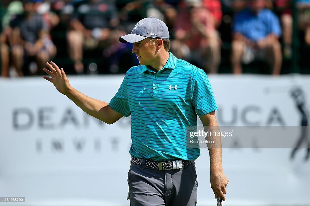 <a gi-track='captionPersonalityLinkClicked' href=/galleries/search?phrase=Jordan+Spieth&family=editorial&specificpeople=5440480 ng-click='$event.stopPropagation()'>Jordan Spieth</a> waves to the gallery after making a birdie putt on the ninth green during the First Round of the DEAN & DELUCA Invitational at Colonial Country Club on May 26, 2016 in Fort Worth, Texas.