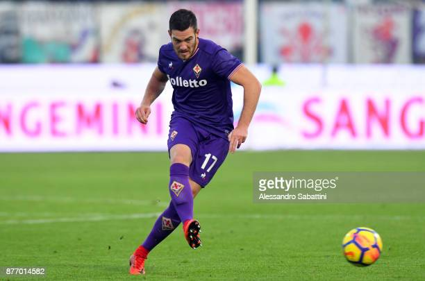 Jordan Veretout of ACF Fiorentina in action during the Serie A match between Spal and ACF Fiorentina at Stadio Paolo Mazza on November 19 2017 in...