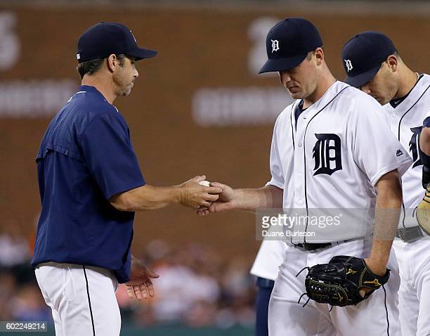 Jordan Zimmermann of the Detroit Tigers is pulled by manager Brad Ausmus of the Detroit Tigers during the second inning of a game against the...