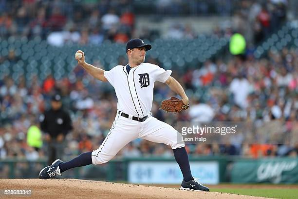 Jordan Zimmermann of the Detroit Tigers pitches during the second inning of the game against the Texas Rangers on May 6 2016 at Comerica Park in...
