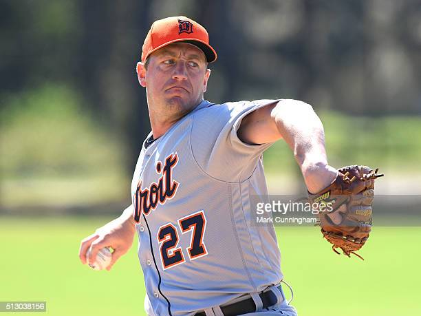 Jordan Zimmermann of the Detroit Tigers pitches during the Spring Training workout day at the TigerTown Facility on February 25 2016 in Lakeland...