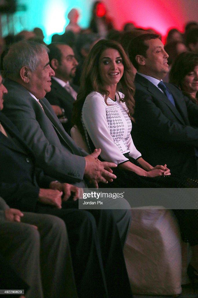 Jordanian Queen Rania Al Abdullah helps launch Edraak, the first Arab non-profit platform for Massive Open Online Courses (MOOC), May 19, 2014 in Amman, Jordan.