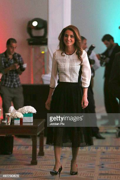 Jordanian Queen Rania Al Abdullah helps launch Edraak the first Arab nonprofit platform for Massive Open Online Courses May 19 2014 in Amman Jordan