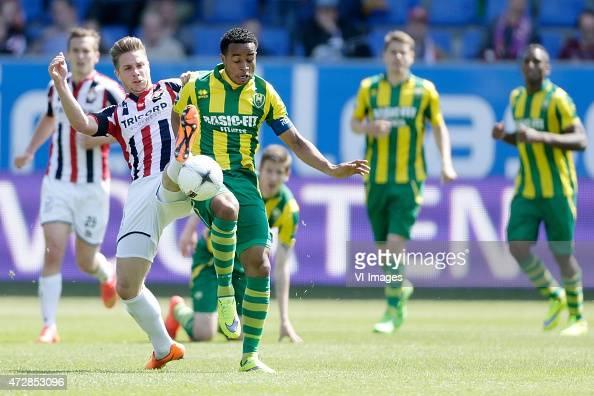 Jordens Peters of Willem II Roland Alberg of ADO Den Haag during the Dutch Eredivisie match between Willem II Tilburg and ADO Den Haag at Koning...